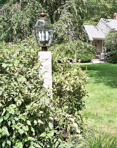 Granite Lamp Post - Rock 4 Sides