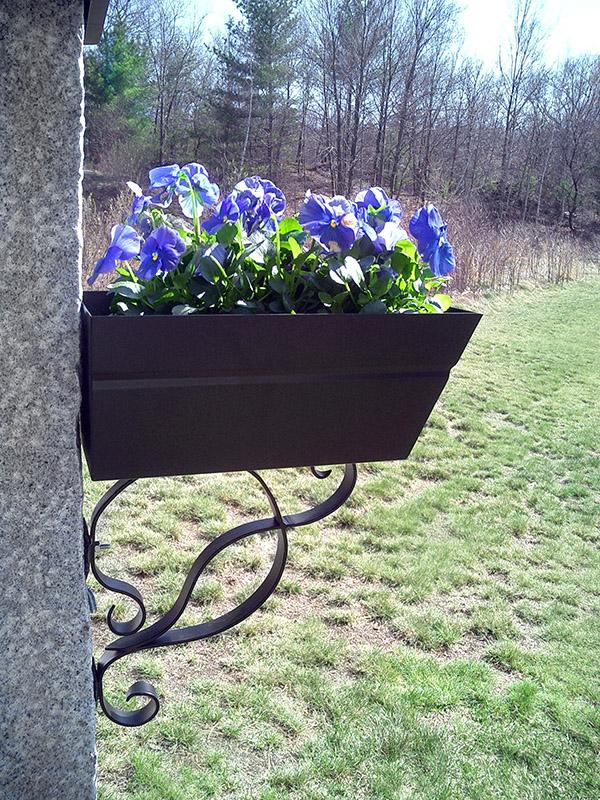 Granite Post Flowerbox Iron Bracket